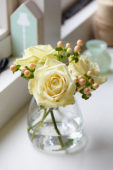 Rosa and Hypericum bouquet