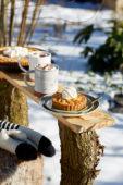 Appeltaartjes en warme chocolademelk