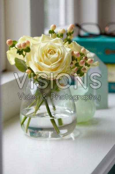 Rosa and Hypericum bouquet