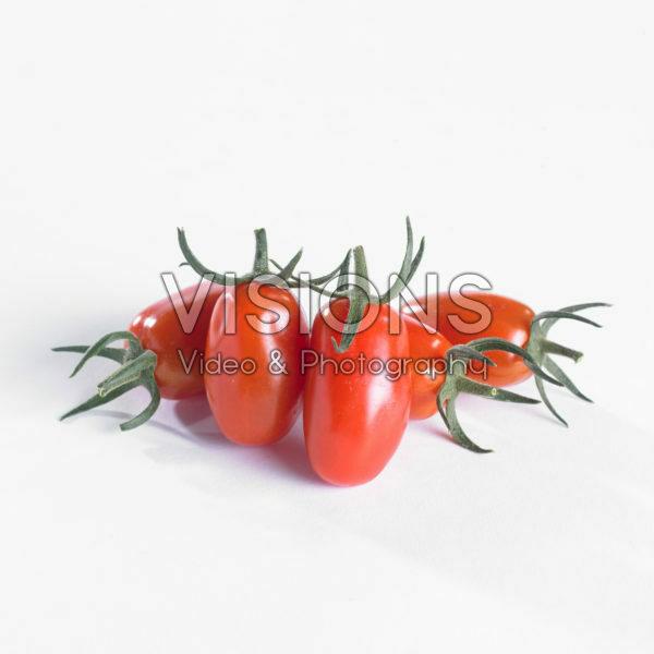 Solanum lycopersicum, red mini pomodori tomato