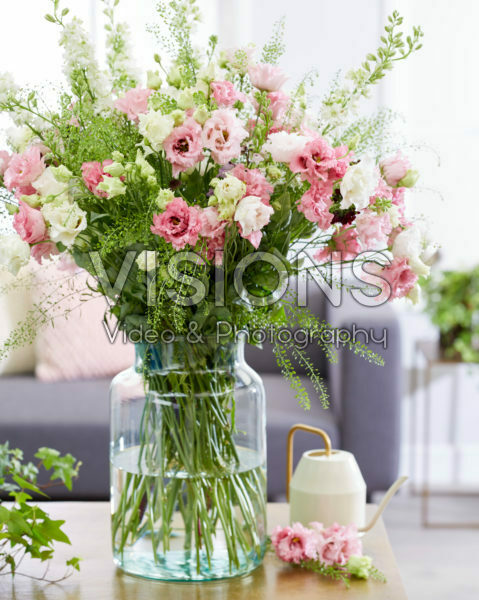 Mixed bouquet, Eustoma russellianum Cotton Candy