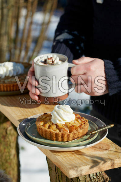 Apple tartlet and hot chocolate